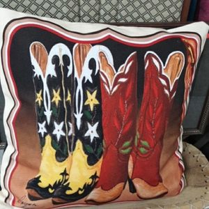 New decor pillow with out tags